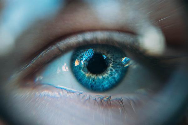under eye bags and wrinkles