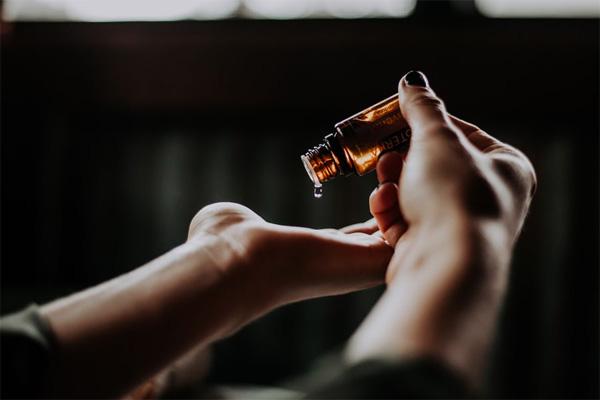 kojic acid skin lightening serum